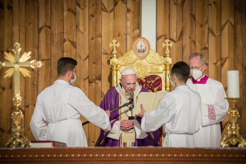 Ferenc Pápa első római katolikus egyházfőként Irakban járt – Fotók!