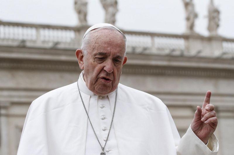 Ma érkezik meg Irakba Ferenc pápa – minden lépését drónnal fogják figyelni