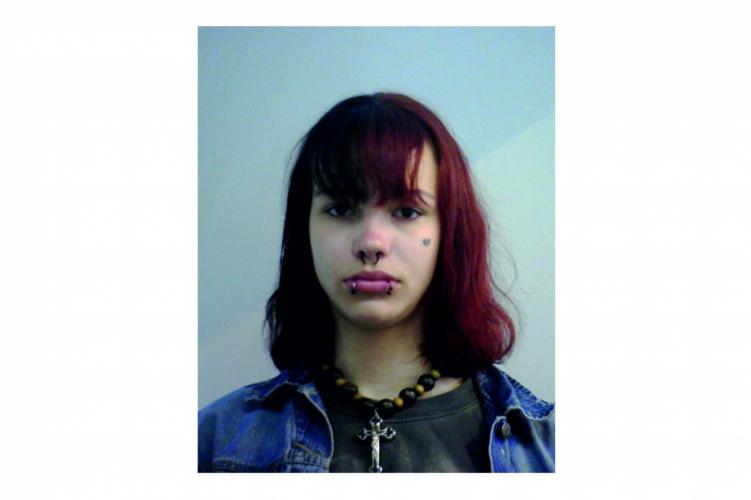 Keresik a 16 éves Nárai Alexát