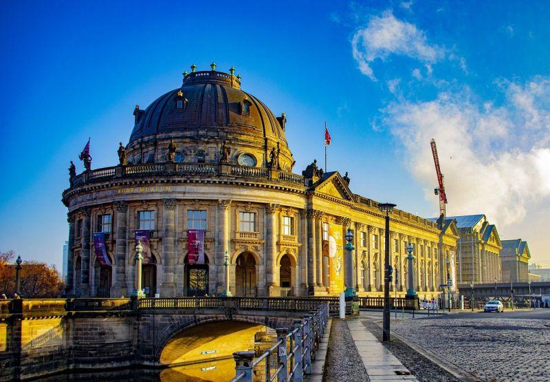Végre egy jó hír: többhavi mélypontra süllyedt a napi új halálesetek száma Németországban