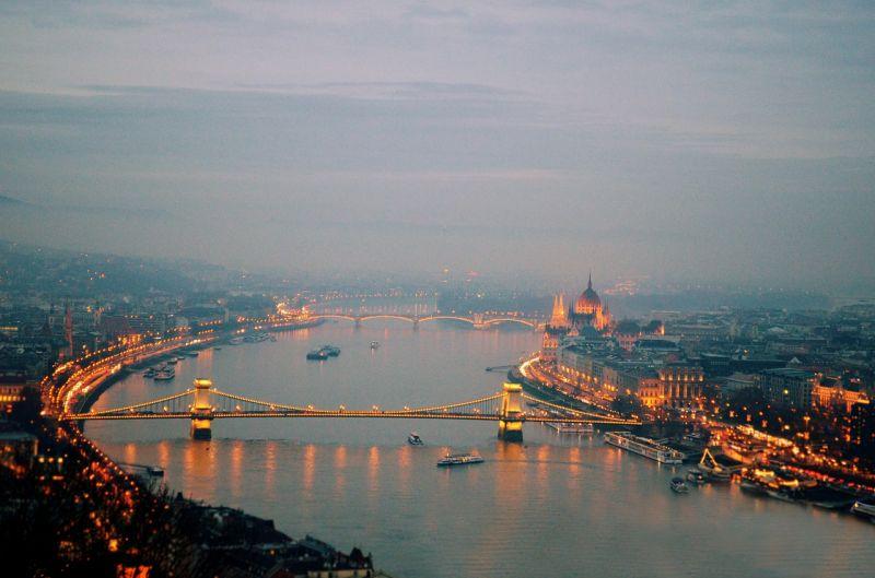 Szerdán leáll Budapest egy percre – a koronavírusban elhunytakra emlékeznek