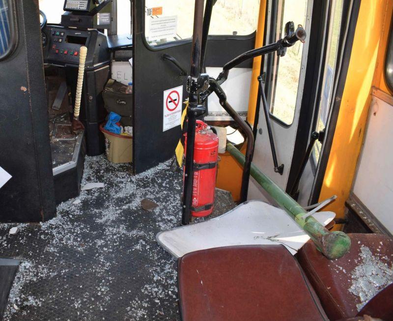 Karóba húzta utasát a 70 éves nógrádi buszsofőr – fotók