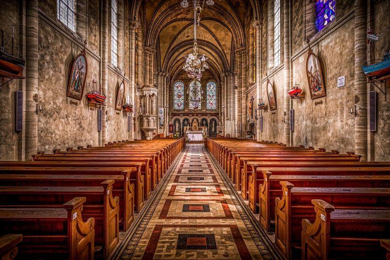 Nem zárják be a templomokat, katolikus miséken nem terjed a járvány