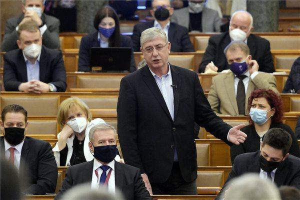 Gyurcsány egyszerre osztotta ki Orbánt és Müller Cecíliát