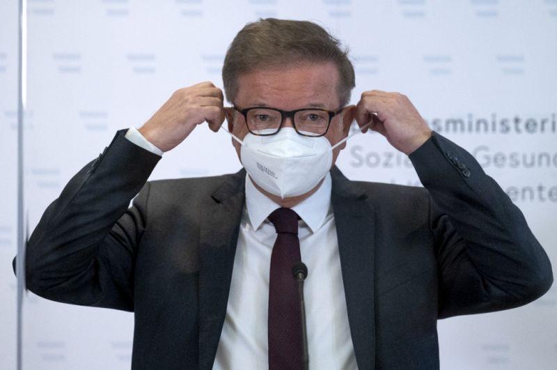 Sírással küzdve mondott le az osztrák egészségügyi miniszter – videó