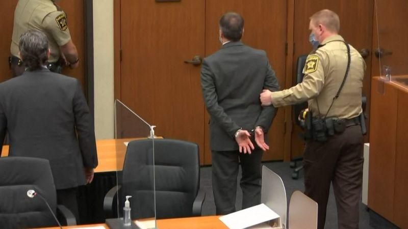 Minden vádpontban bűnösnek találták a George Floyd halálát okozó volt rendőrt