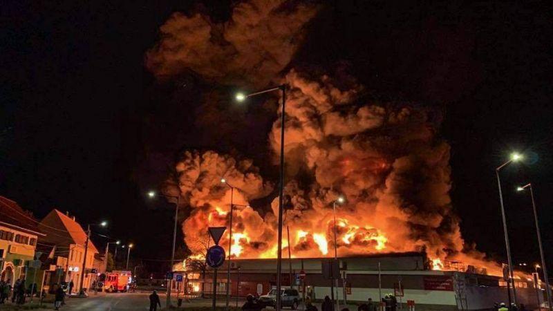 A Szentendrén porig égett Spar dolgozói először lemondták a riasztást