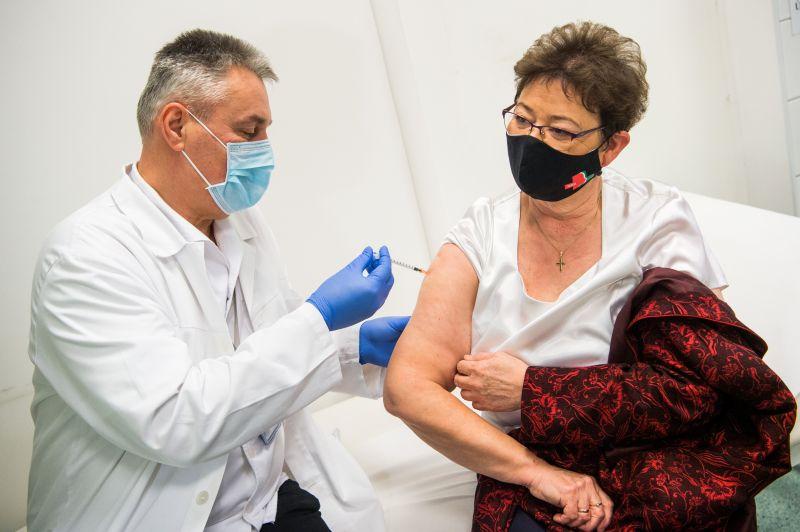 Müller Cecília közölte, hogy rendkívüli helyzet lesz a jövő héten: Mindegyik vakcina elérhető lesz az oltópontokon