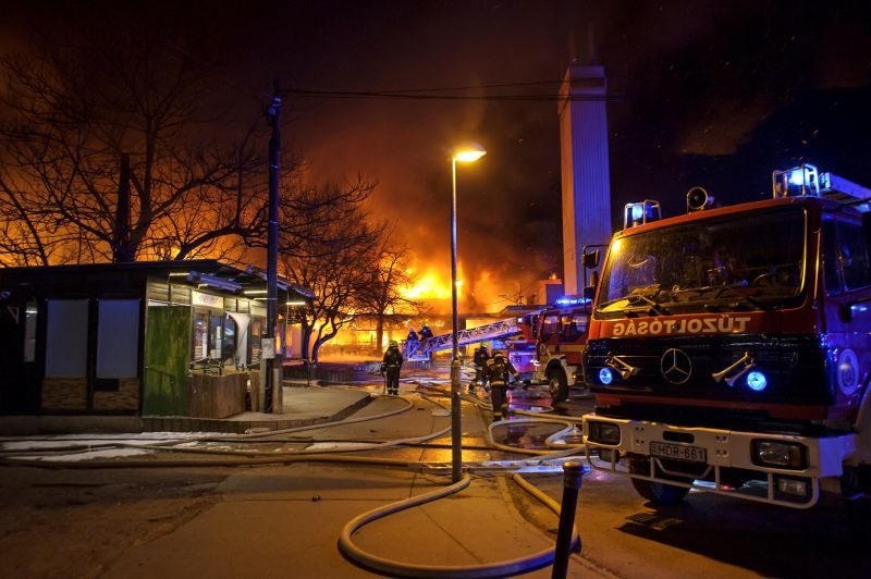 Itt vannak a szentendrei tűzvész képei