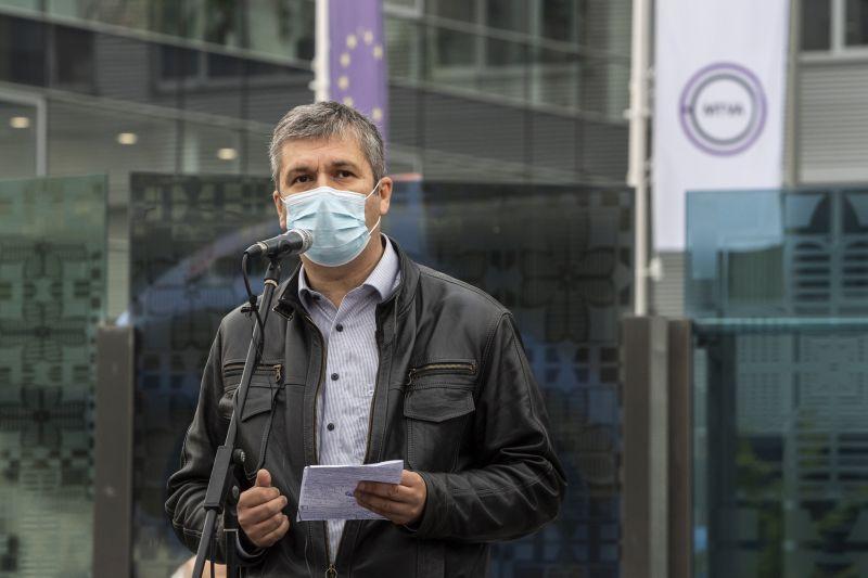 Telefonos kampányt indítottak Hadházy Ákos lejáratására