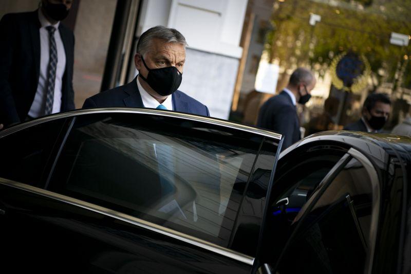 Orbán megakadályozta a visegrádi négyek közös, Oroszországot elítélő nyilatkozatát