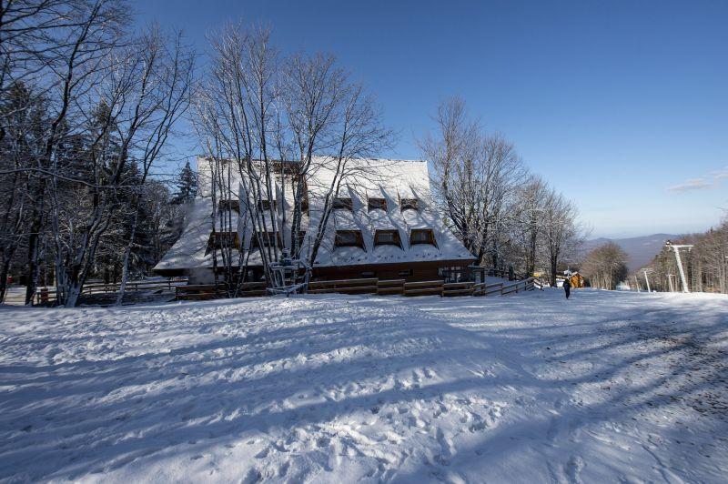 Öt centi havat is hozhat a hétfőn érkező hidegbetörés