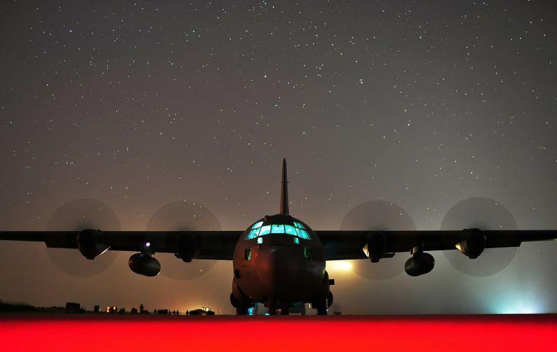 Készülnek az amerikaiak a háborúra? Magyar légtérben tankolták fel az óriásgépet – fotó
