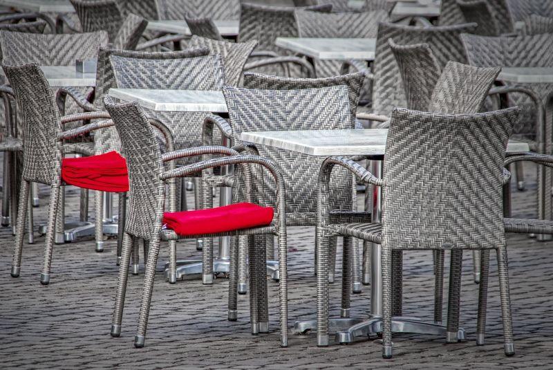 Telex: Rövidesen megnyithatják a vendéglátóhelyek teraszait – Jönnek az újabb járványügyi enyhítések?