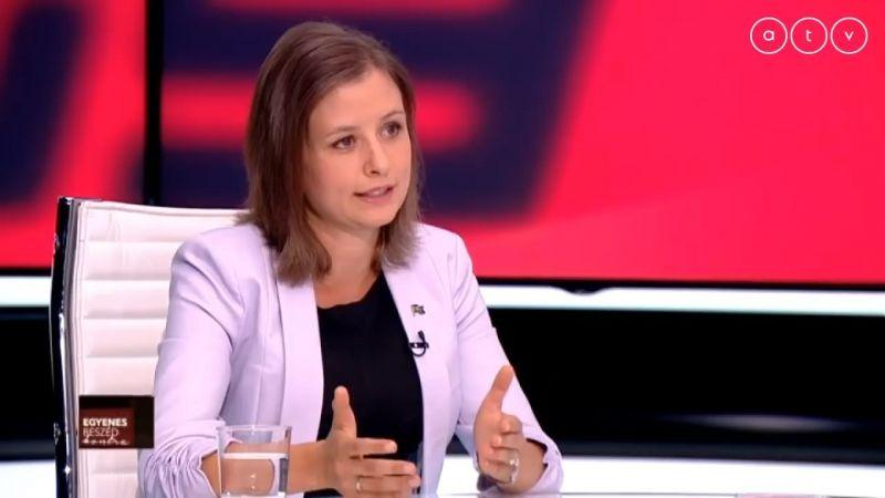 """Dúró Dóra: """"A Fidesz kormányzása az ország lassú, a balliberális oldalé pedig a gyors halálát jelentené"""""""