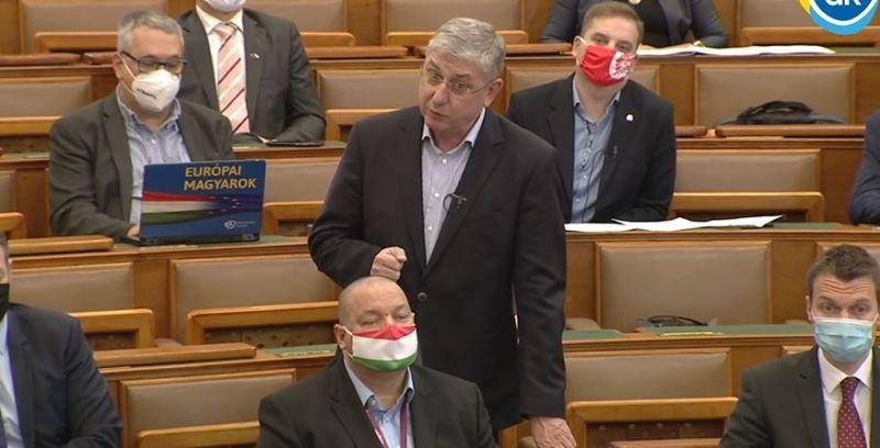 """Gyurcsány Ferenc keményen nekiment a kormánynak a halálozási adatok miatt: """"Önök ölték meg őket"""" – Kövér 10 másodperc csendet kért Gyurcsány felszólalása után"""