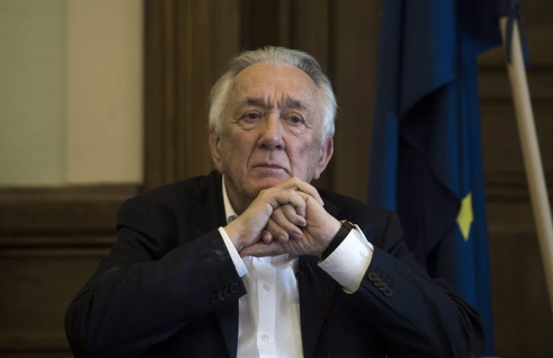 Nyugdíjasotthonból kórházba vitték Kovács Lászlót, aggódnak a közeli ismerősei, akik telefonján sem érik el a volt külügyminisztert