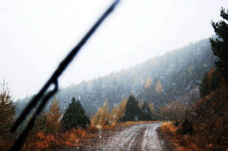 Az Észak-Dunántúlon, majd Budapesten is havazni kezdett reggel 7 órakor