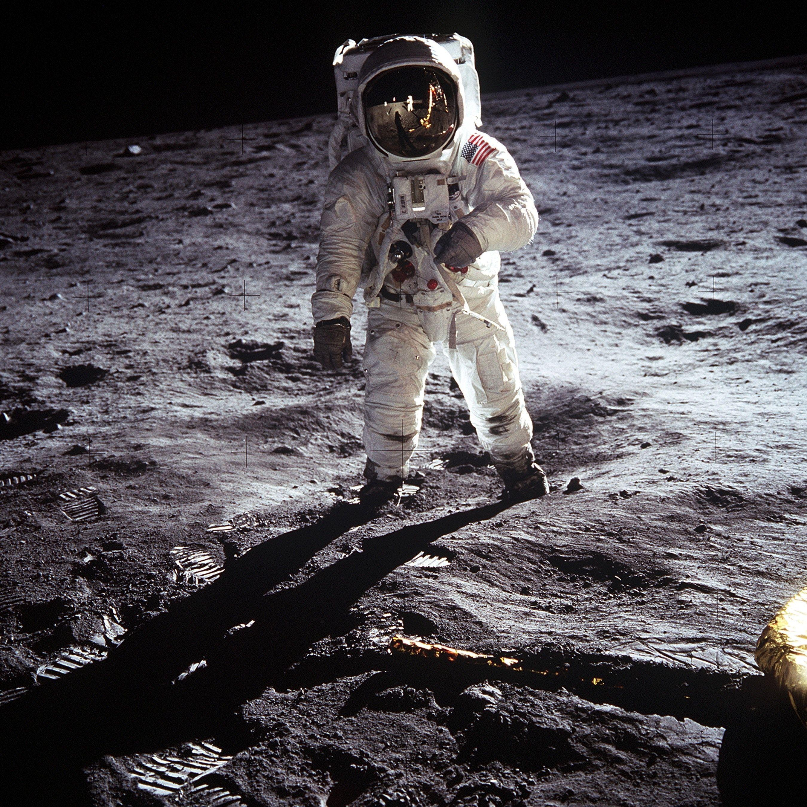 A NASA újra embert küld a Holdra – Elon Musk cége építi hozzá az űrhajót