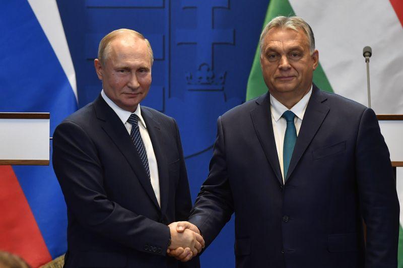 Orbán Viktor és Áder János is üzent Vlagyimir Putyinnak