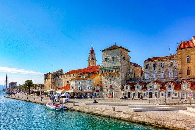 A horvátországi beutazáshoz az első oltás mellett igazolni kell, hogy az illető átesett a fertőzésen