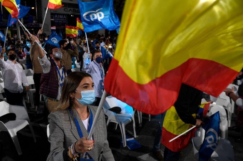 A jobboldal győzelmét jelzik az első közvéleménykutatások a madridi tartományi választásokon