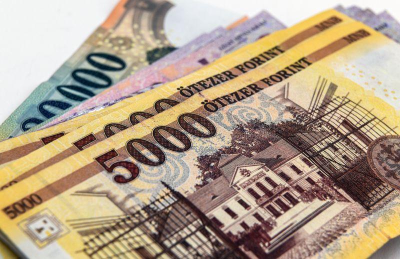 Hiába fizette ki a hitelét egy nyugdíjas nő, behajtókat küldtek rá
