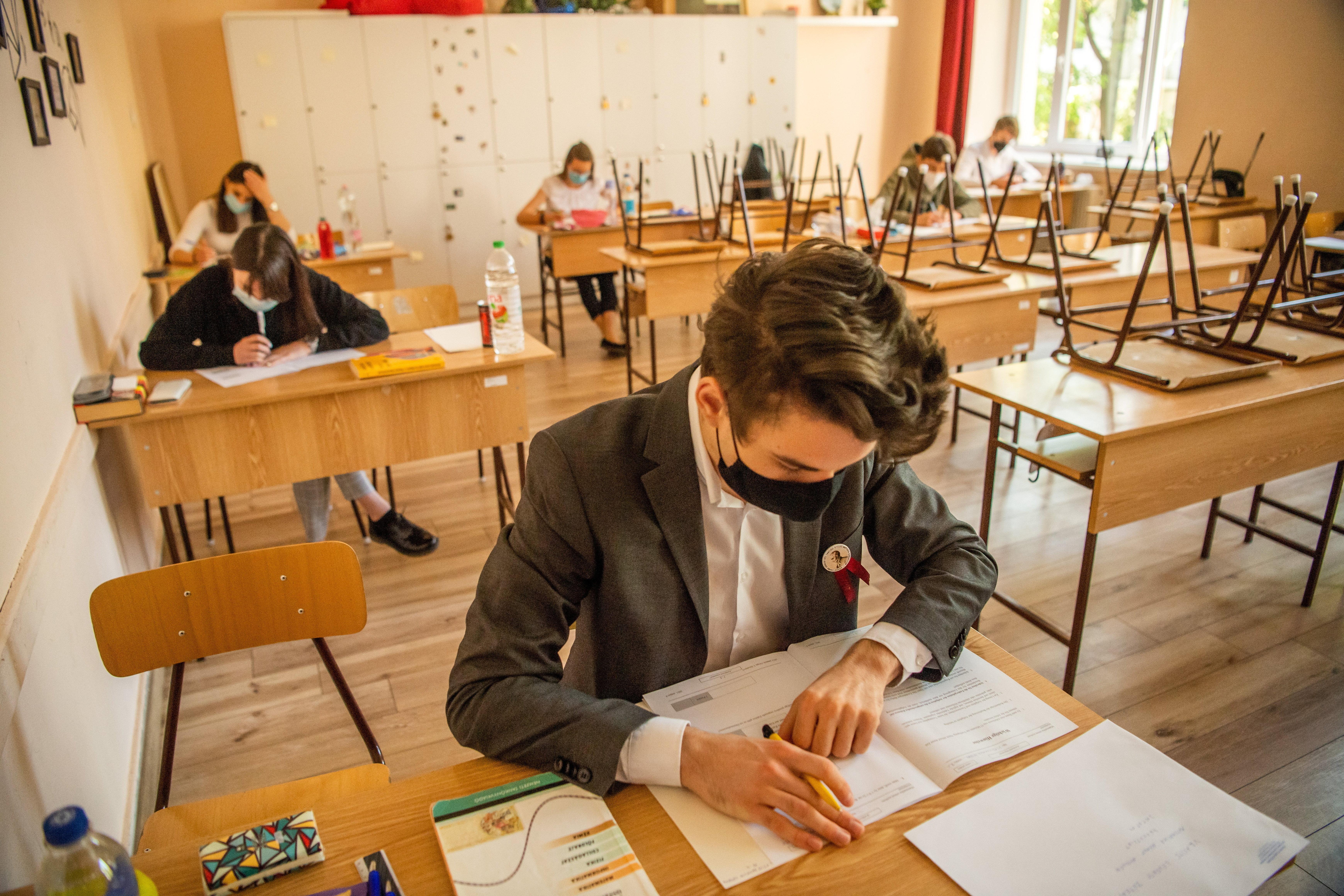 Ma a történelemmel folytatódnak az érettségi vizsgák