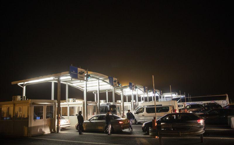 Annyian mennek Romániába Pfizerrel oltakozni, hogy már a határnál oltópontokat állítanak fel