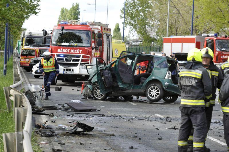 Halálos baleset volt a Ferihegyi repülőtérre vezető úton – fotó