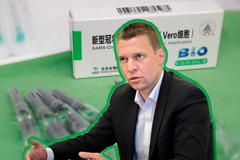 """Menczer keményen nekiment több újságnak is a kínai vakcina védelmében – """"oltásellenes, baloldali, politikai munka"""""""