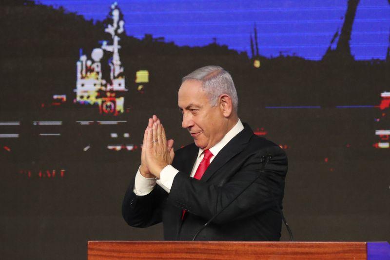 Tizenkét év után ellenzékbe kényszerülhet Netanjahu