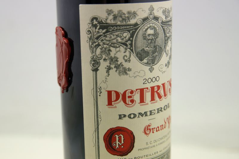 Egy évig bolyongott az űrben a francia bor, most 300 millió forintért kelhet el