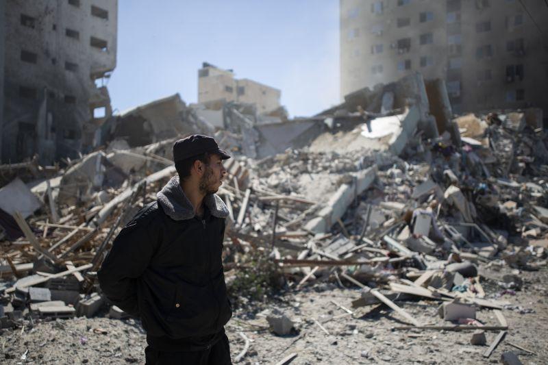 Egyre keményebb csapások: újra izraeli katonai repülőgépek bombázták Gázát