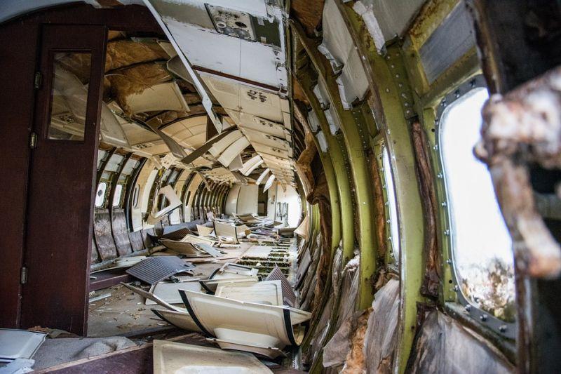 Lezuhant egy repülőgép Magyarországon – zajlik a beszorult utasok mentése