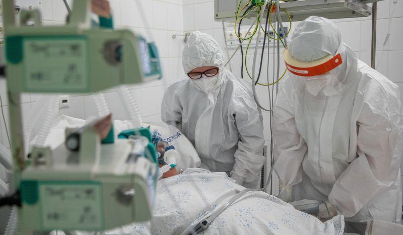 Hozzájárulásuk nélkül is lehallgathatják az egészségügyi dolgozókat