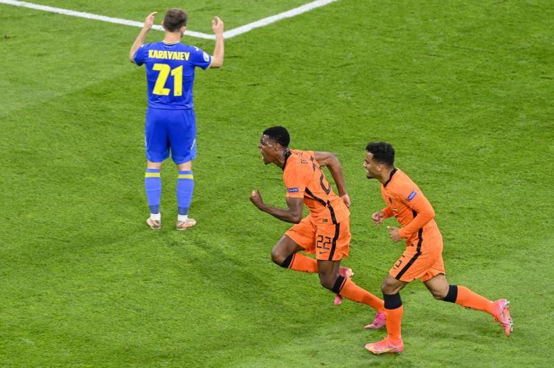Az Eb eddigi legjobb meccsén a hollandok ötgólos meccsen verték az ukránokat