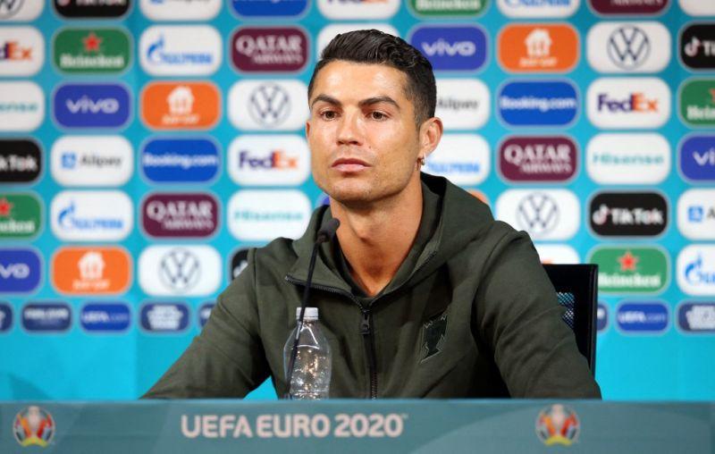 A fintorgó Ronaldo négymilliárd dollárt kárt okozott egyetlen kézmozdulattal a Coca-Colának