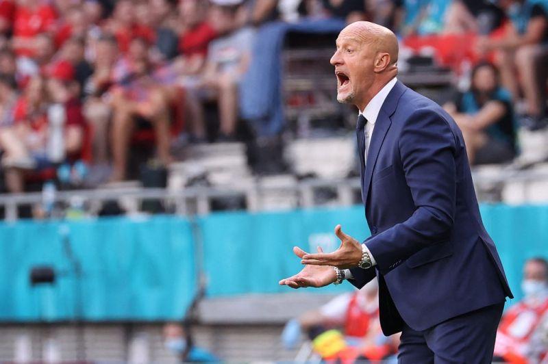 Marco Rossit el akarják csábítani a román válogatott élére