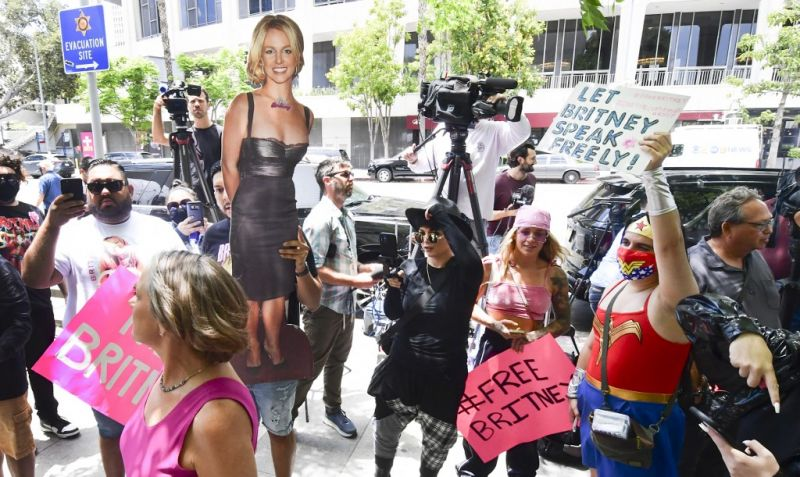 Emberjogi aggályok merültek fel: Britney Spears még a saját fogamzásgátlójáról sem dönthet