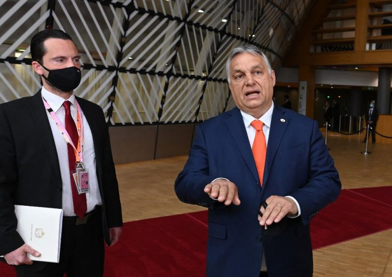 Orbán Viktor Brüsszelben: Szó sincs homoszexuálisokra vonatkozó törvényről