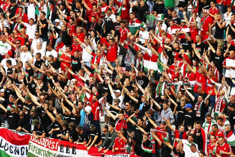 Lehet-e igazolvány nélkül, kivetítőn nézni az Eb-meccseket? Itt a magyar kormány válasza