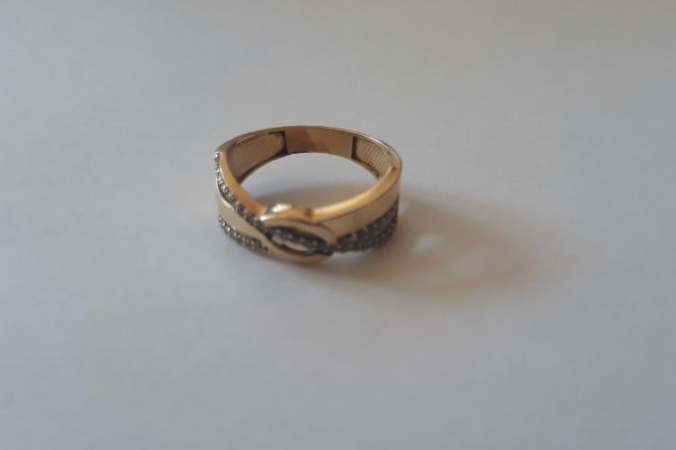Ellopták a házaspár arany jegygyűrűjét, aztán jött a váratlan fordulat
