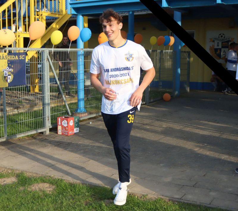 Edzés közben összeesett a pályán, és meghalt a 18 éves magyar focista
