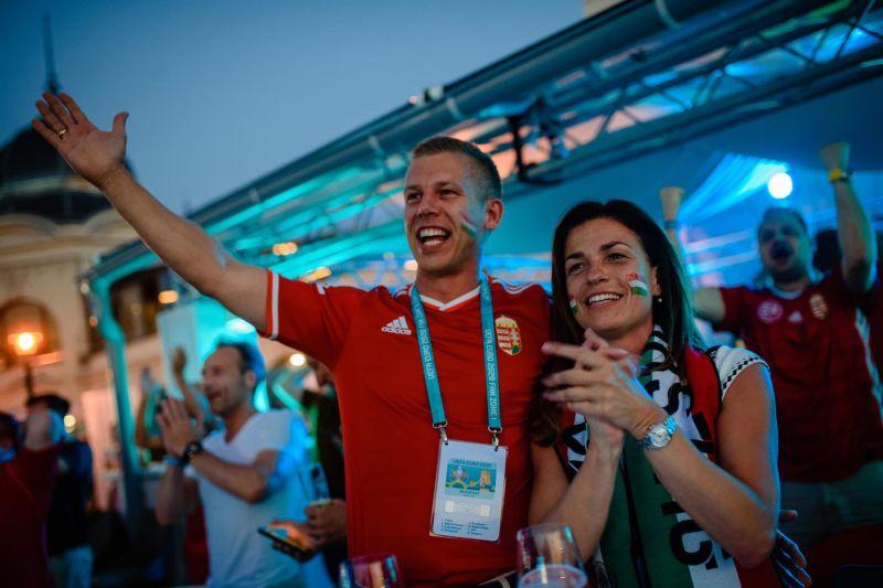 Válás előtt álltak, de most úgy néz ki, újra nagy a szerelem – Varga Judit és férje együtt szurkolt a magyar válogatottnak