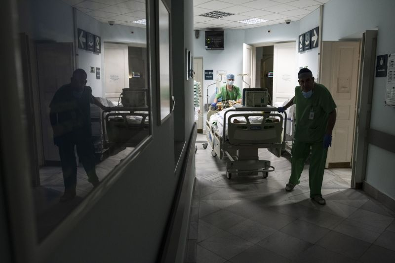 A kormány tagadása ellenére, mégis hatalmas átalakulás jöhet a egészségügyben