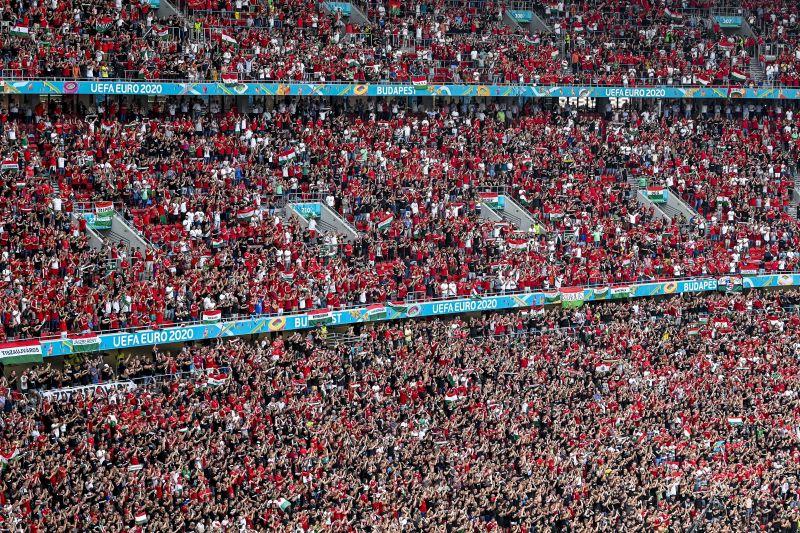 Fellobbanhat a járvány a teltházas portugál meccs miatt az aggódó szlovákok szerint