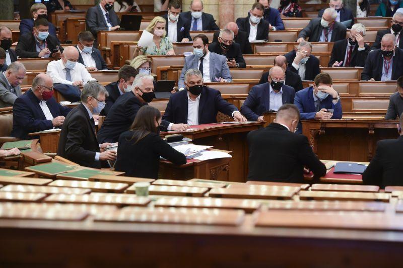 A Fidesz nem tréfál: a pofátlan ingatlan mutyi is mehet