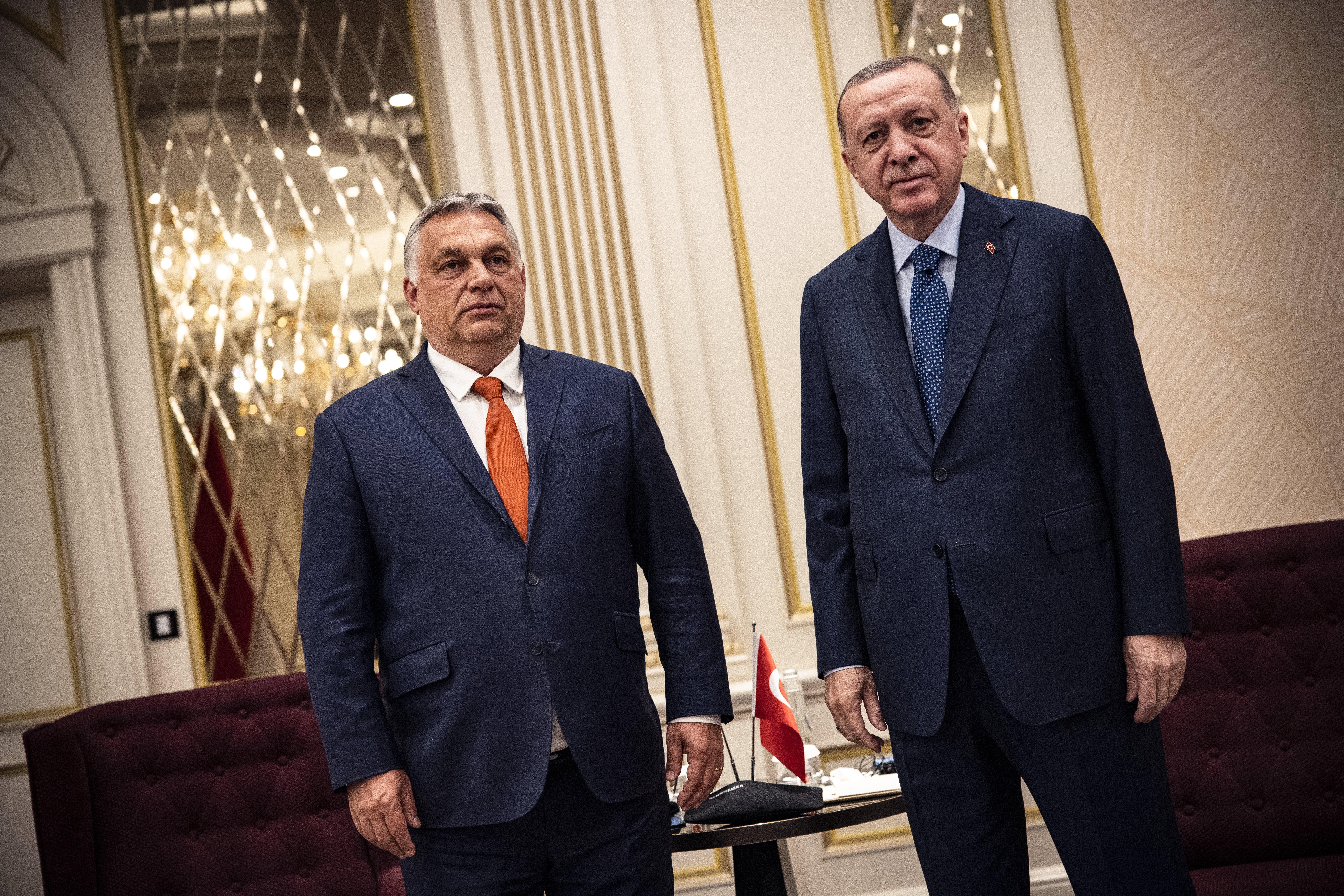 Orbán Erdogannal tárgyalt Brüsszelben