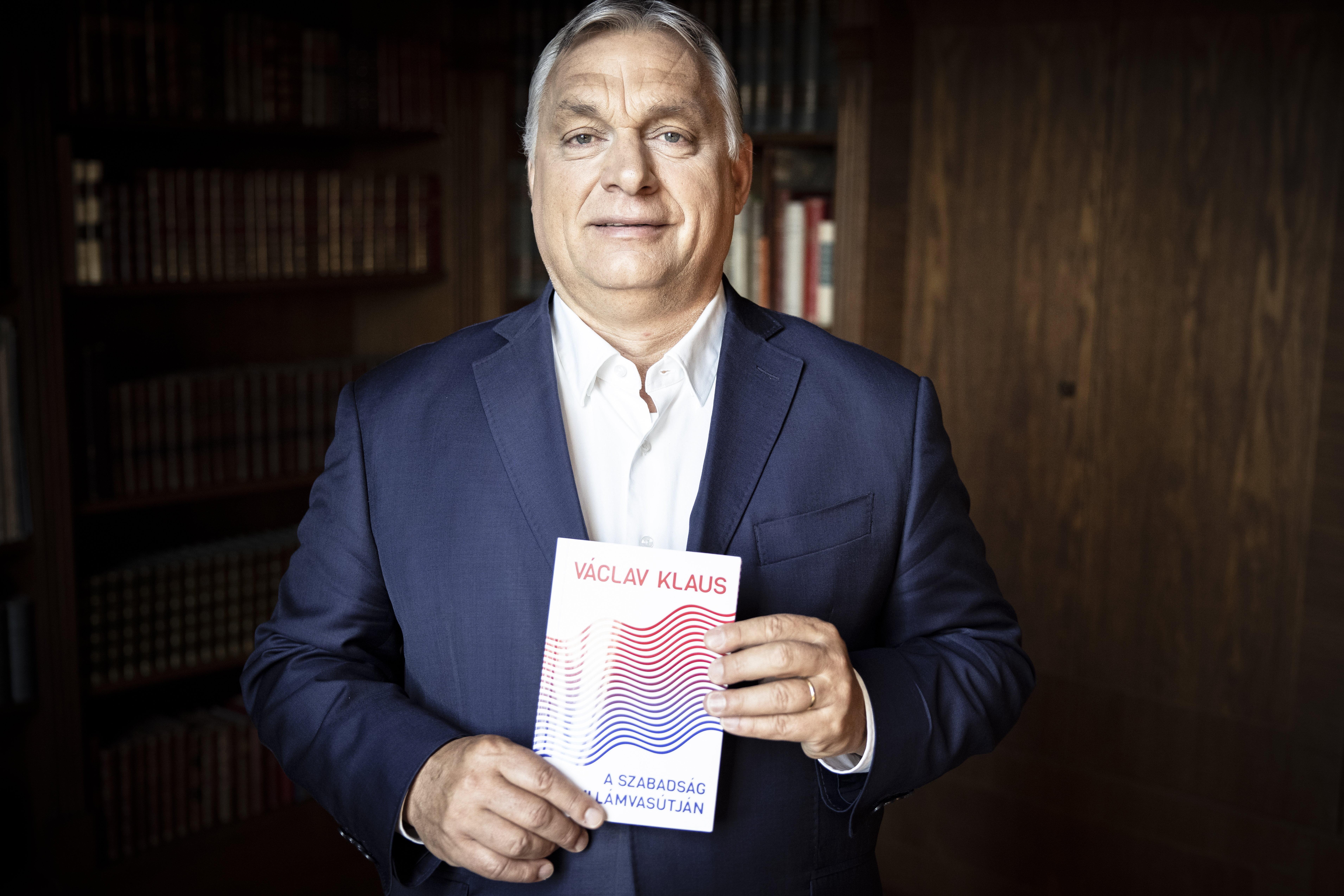 """Orbán: """"Szabadságharc folyik Európában. Ezúttal a keresztény-konzervatív hagyományaink, és közép-európai identitásunk megőrzése érdekében vonulunk csatába"""""""